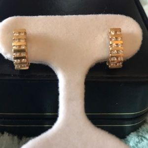 Jewelry - EUC 🎀 14K Yellow Gold REAL Diamond Earrings